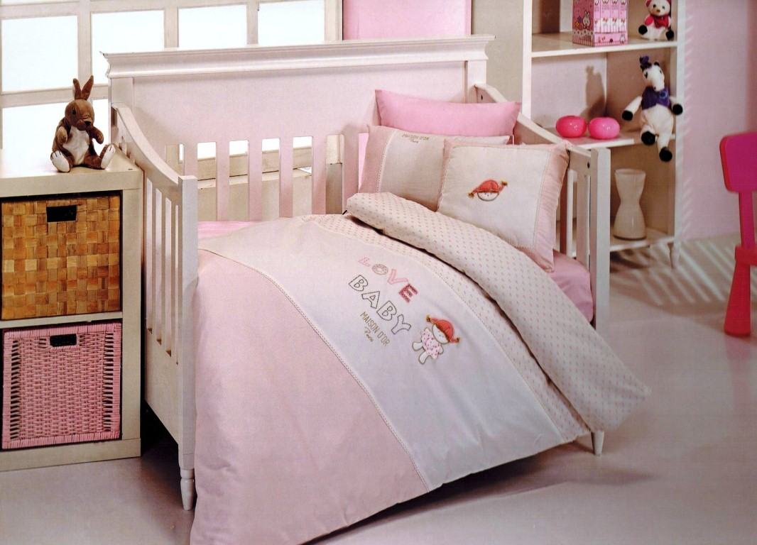 Постельное белье  в детскую кроватку Постельное белье  в кроватку для девочки LOVE BABY- ЛАВ БЭБИ / Maison Dor (Турция) Love_Baby_nevresim.jpg