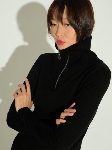 Женский джемпер черного цвета из шерсти и шелка - фото 3