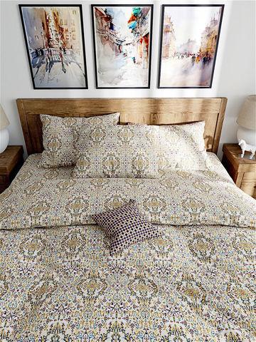Простынь на резинке  -Узорная графика- натяжная 160х200х26 см 2-спальная