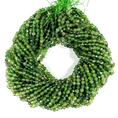 Бусины турмалин зелёный A шар граненый 2,6 мм цена за 150 бусин (~39 см)