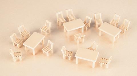 Деревянные столы и стулья, (H0)