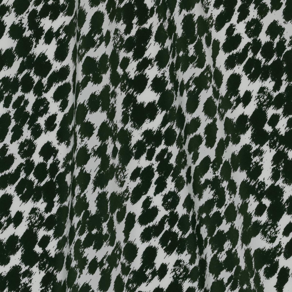 Матовый, молочный блузочный шелковый крепдешин в зелёные пятна