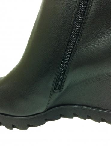 Зимние ботинки Giorgio Piergentili из кожи чёрного света 9723, артикул 9723, сезон зима, цвет чёрный, материал кожа, цена 12 500 руб., veroitaly.ru
