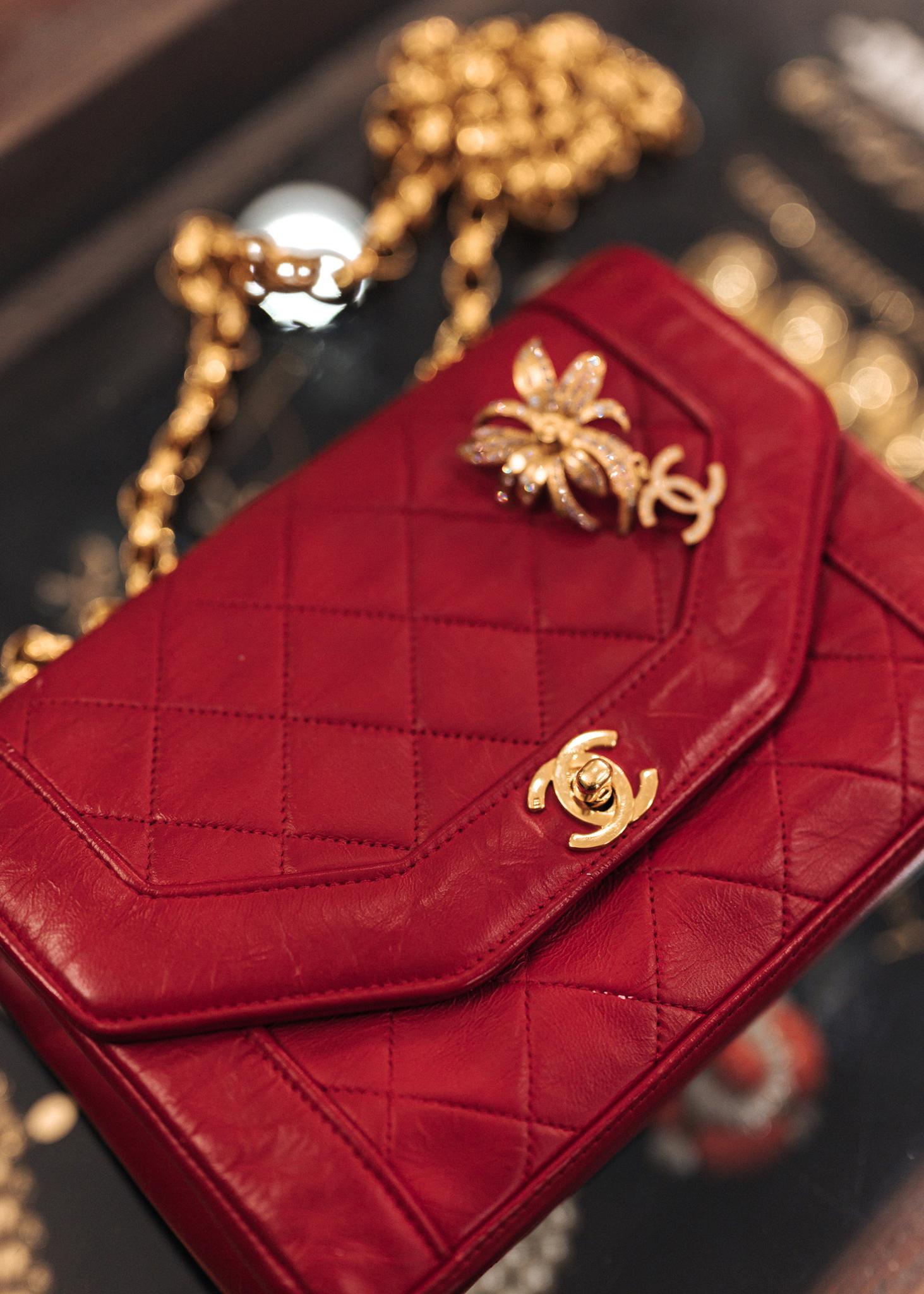 Винтажная брошь Chanel 2002 г.
