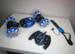 Машинка-перевертыш Skidding Stunt Car с управлением жестами синяя