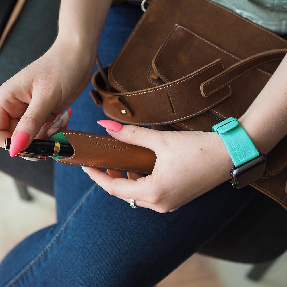 Чехол для ручки Plume Bicolor из натуральной кожи теленка, коричневого цвета