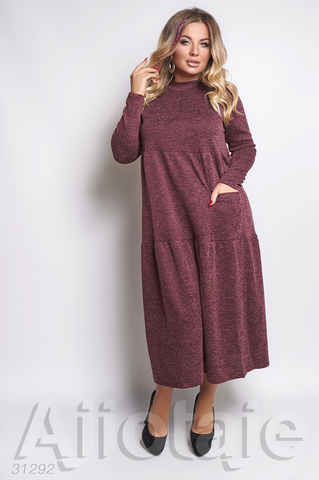Платье бордового цвета с накладным карманом