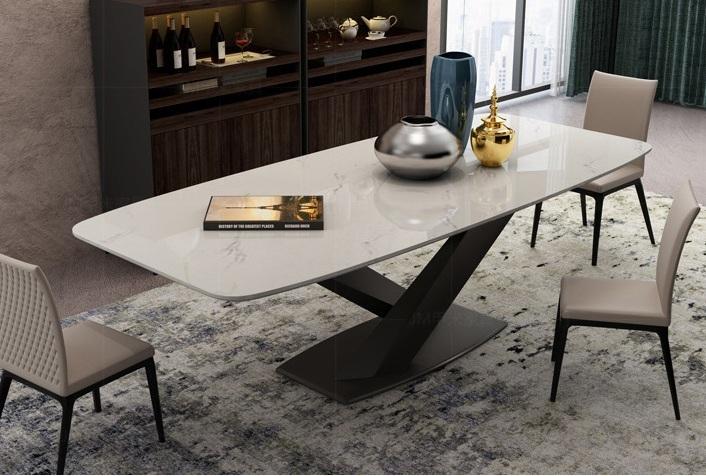 Обеденный стол Sally