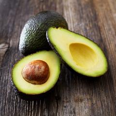 Авокадо зеленое (Доминикана) / шт