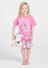 Розовая футболка и шорты с сердечками для девочки