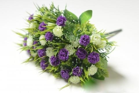 Букет гвоздики фиолетовый