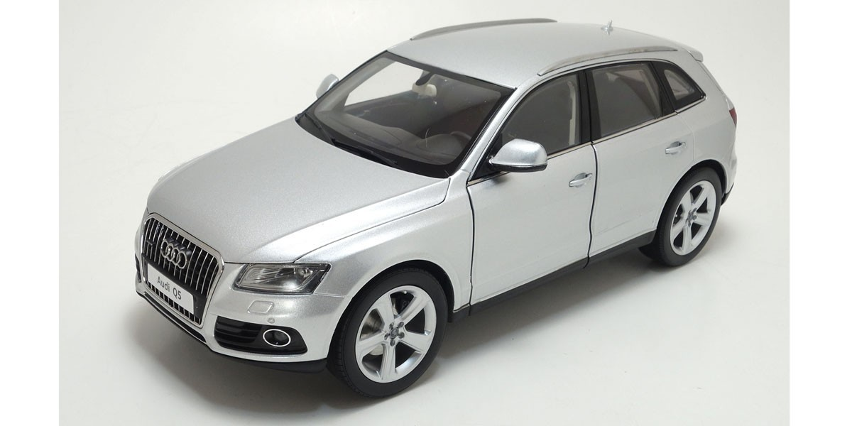 Коллекционная модель Audi Q5 S-Line 2013