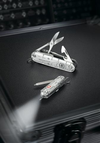 Нож Victorinox Huntsman, 91 мм, 15 функций, полупрозрачный серебристый123