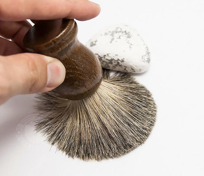 RAZ306-2 Деревянный помазок из барсучего волоса фото 06