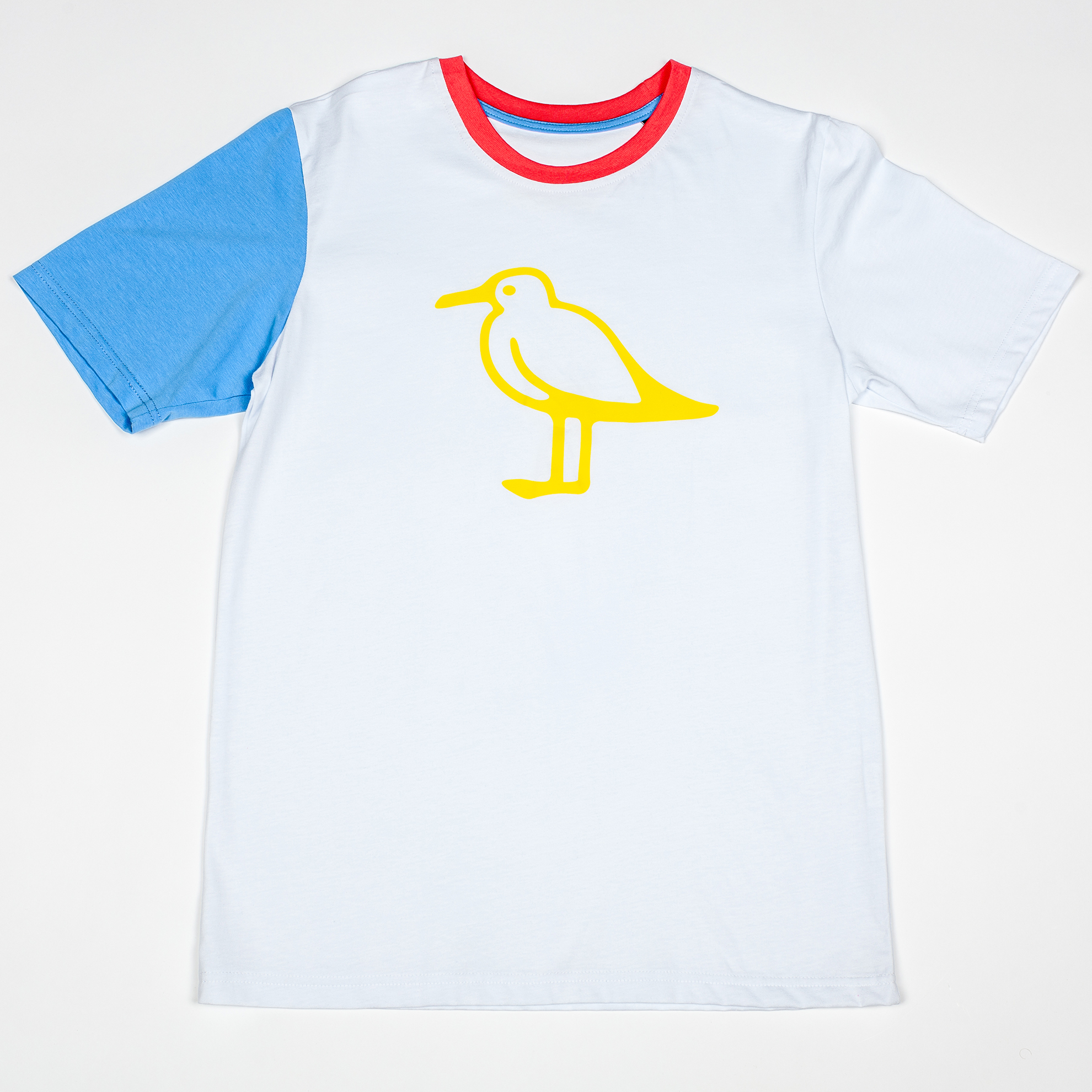 Многоцветная футболка