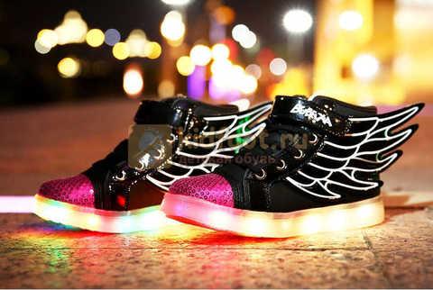 Светящиеся кроссовки с крыльями с USB зарядкой Бебексия (BEIBEIXIA), цвет черный розовый, светится вся подошва. Изображение 5 из 20.