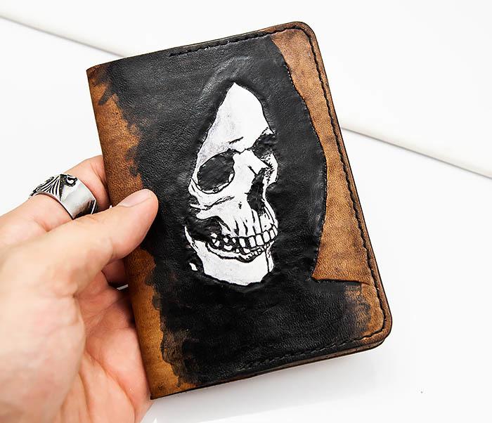 BC159 Обложка для паспорта Смертушка, ручной раскрас фото 03