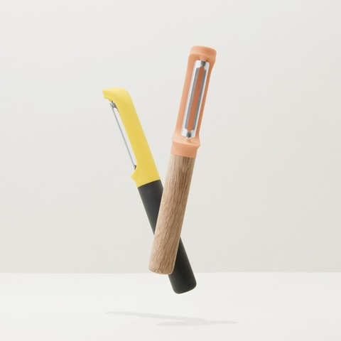 Пиллер вертикальный с пластиковой ручкой 17,5см Leo