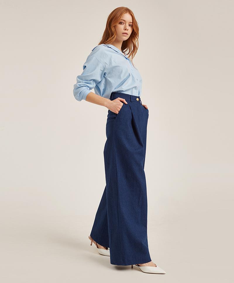 брюки-расклешённые-из-денима-синего