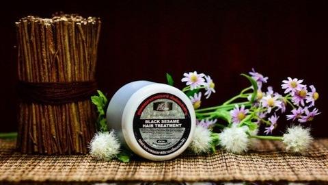 Маска для волос из черного кунжута с добавлением спирулины и витамина «Е»