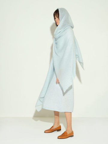 Женский шарф голубого цвета из мохера и шерсти - фото 2