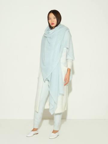 Женский шарф голубого цвета из мохера и шерсти - фото 4