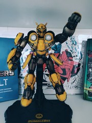 3A Transformers: Bumblebee Deluxe Scale Figure || фигурка Бамблби