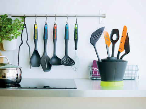 Кухонные приборы tupperware.