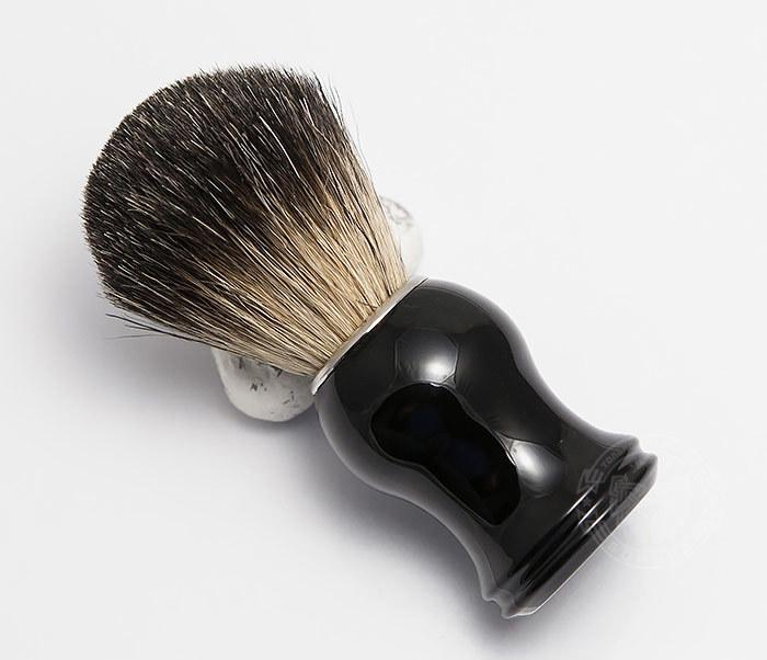 RAZ305-1 Помазок из волоса барсука с рукояткой черного цвета