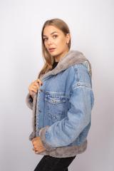 Джинсовая куртка женская с мехом и капюшоном надя