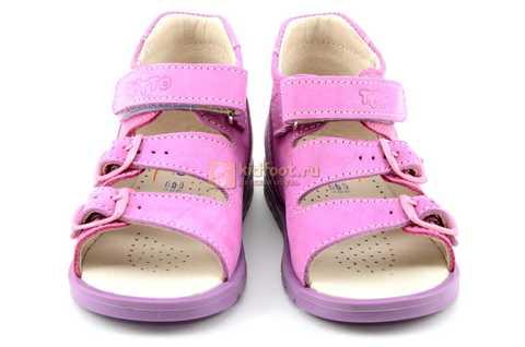 Босоножки Тотто из натуральной кожи с открытым носом для девочек, цвет сирень розовый. Изображение 5 из 12.