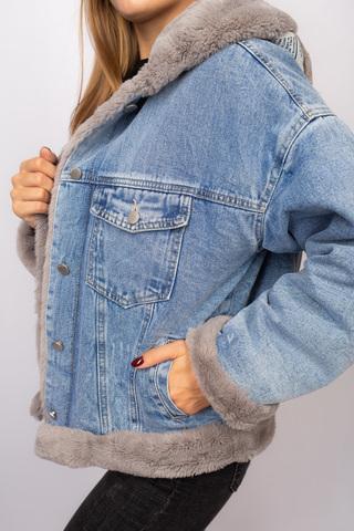 Джинсовая куртка женская с мехом и капюшоном купить