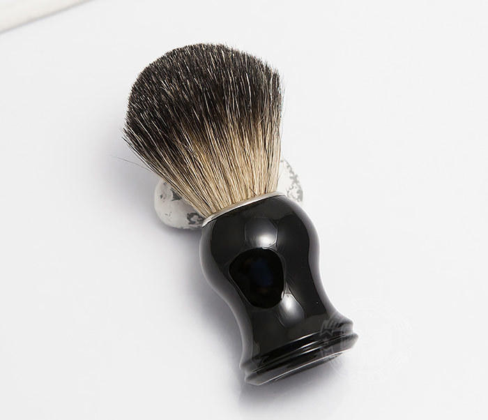 RAZ305-1 Помазок из волоса барсука с рукояткой черного цвета фото 02