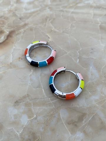 Серьги-колечки из серебра, разноцветная эмаль