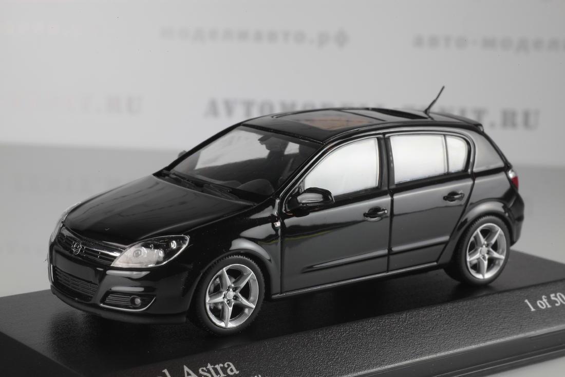 Коллекционная модель Opel Astra GTC 2004