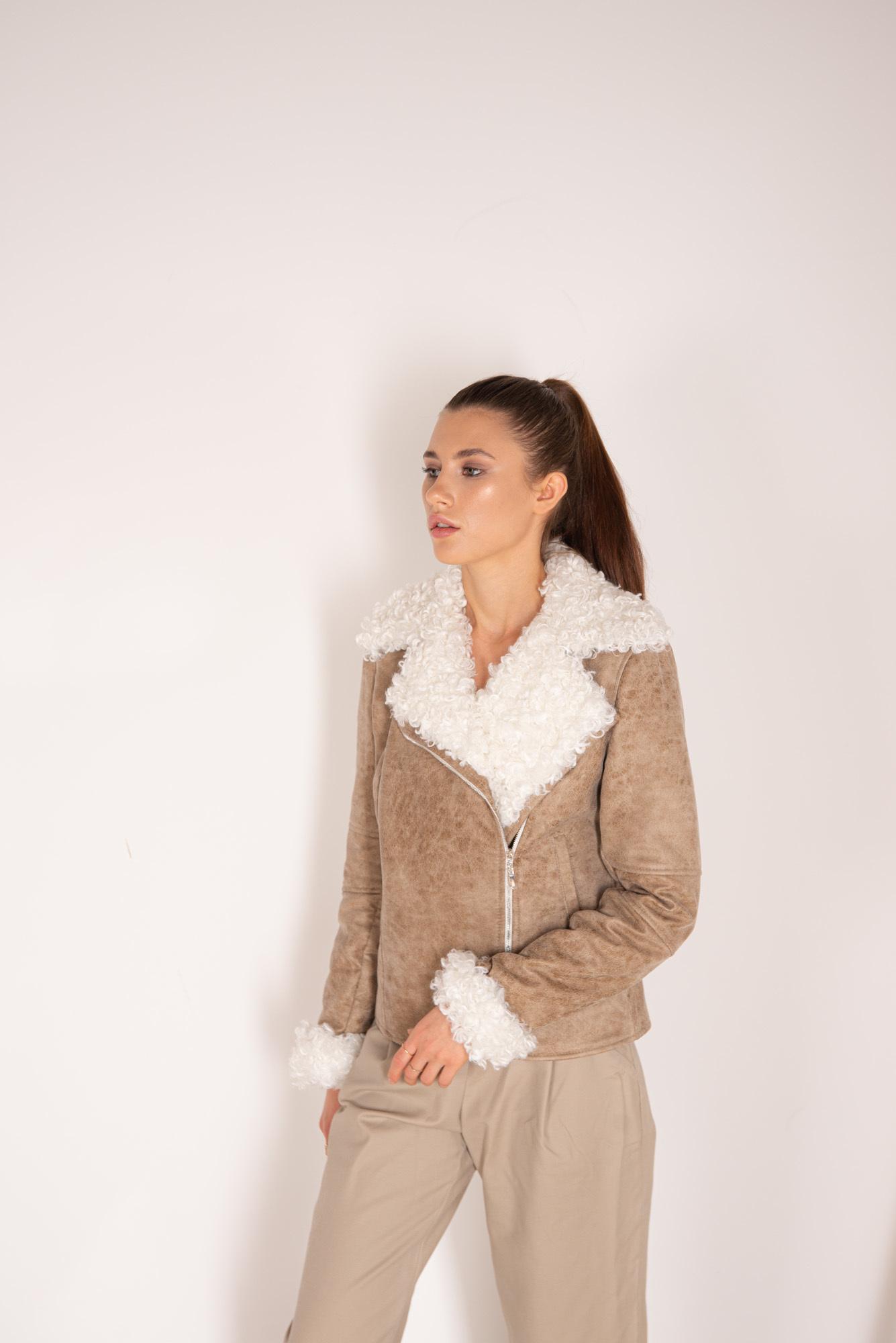 Куртка из ЭКО-кожи и ЭКО-меха бежевая
