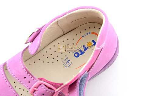 Босоножки Тотто из натуральной кожи с открытым носом для девочек, цвет сирень розовый. Изображение 11 из 12.