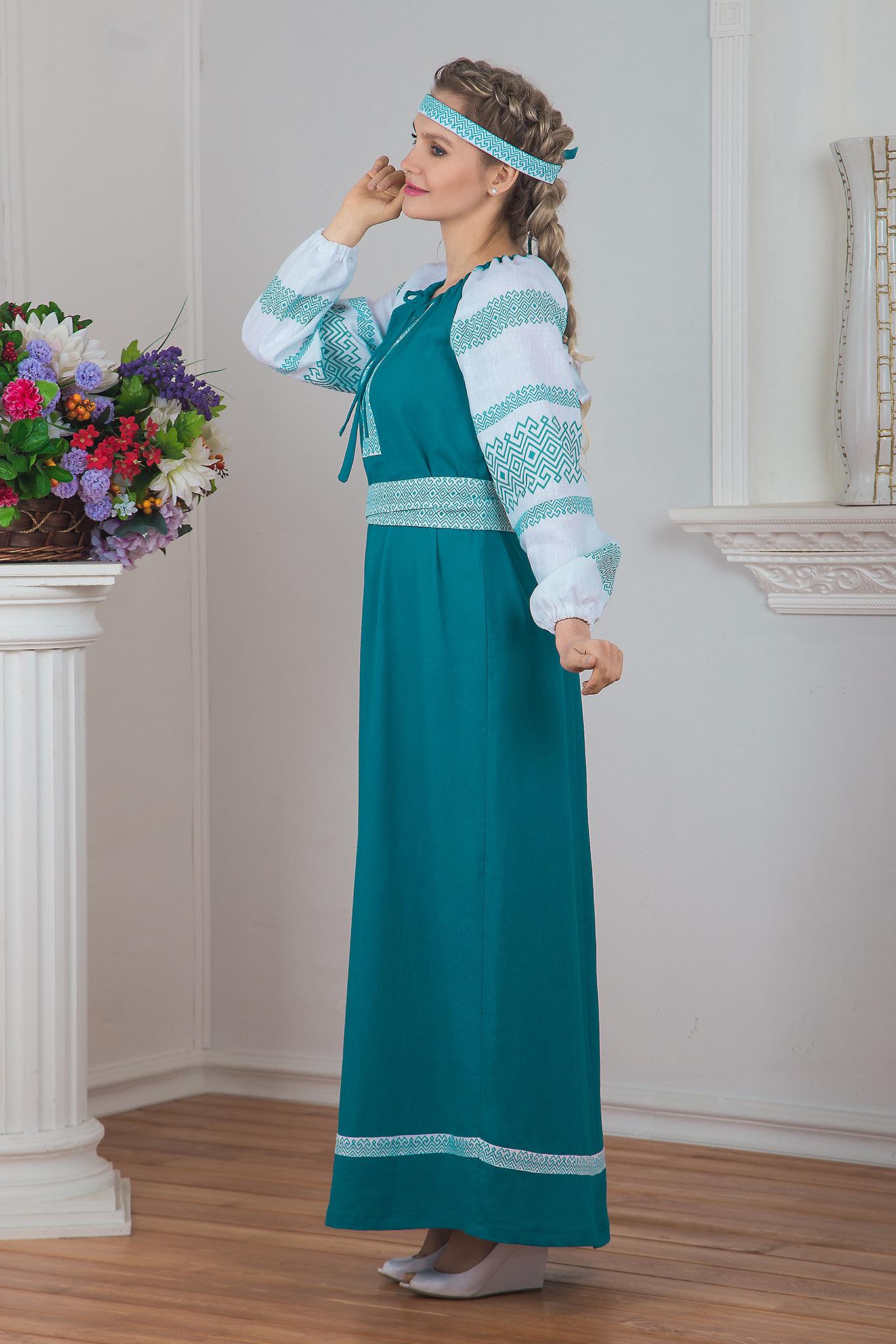 Традиционное платье Заморское вид сбоку