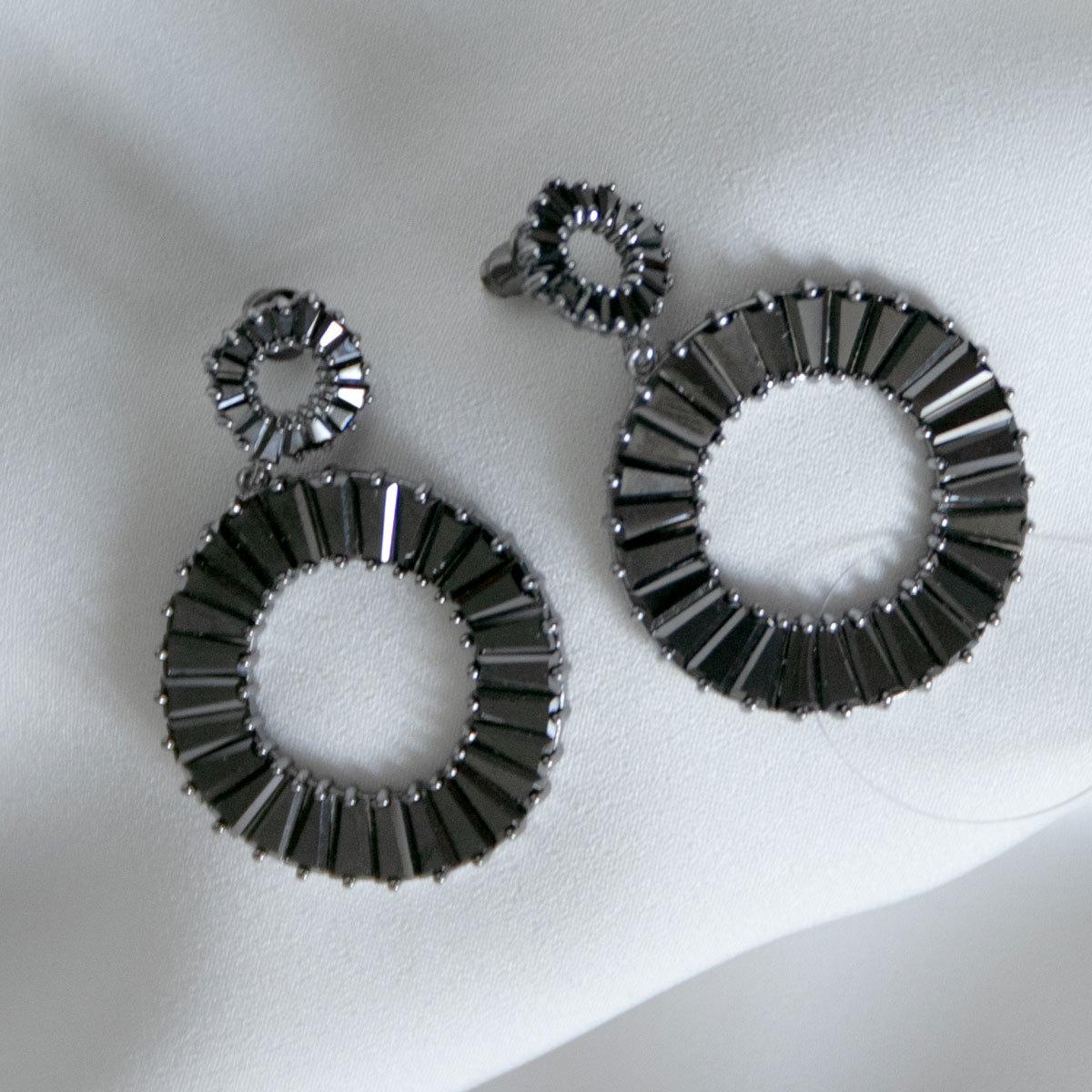 Серьги Циркон Подвесные кольца с багетными цирконами черный