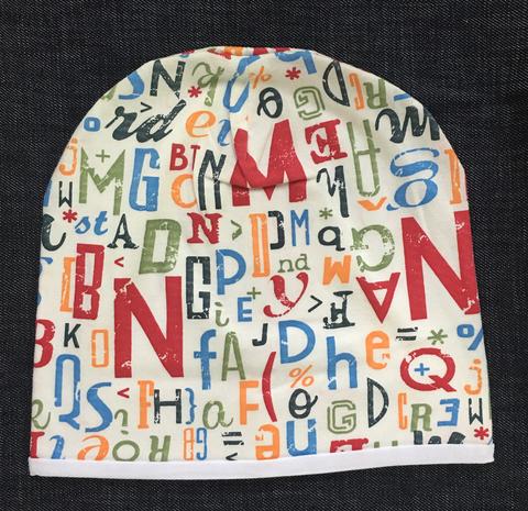 Детская шапочка бини с принтом Буквы