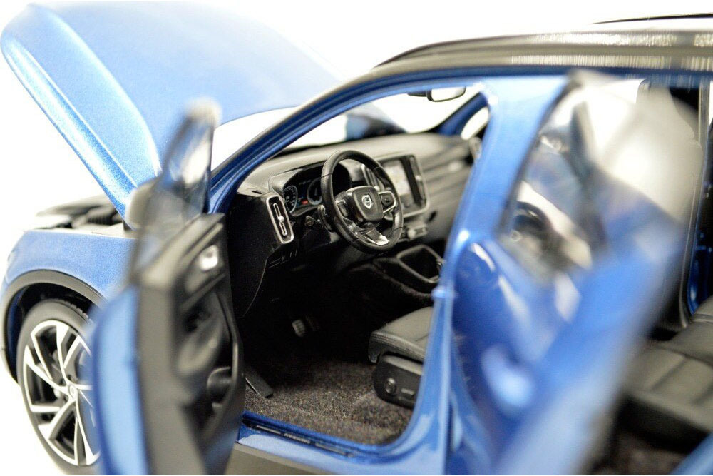 Коллекционная модель VOLVO XC40 2019 BLUE