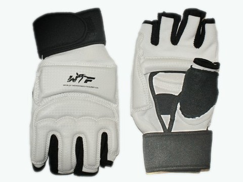 Перчатки для тхеквондо с напульсником на липучке. Размер М. :(ZZT-004М):