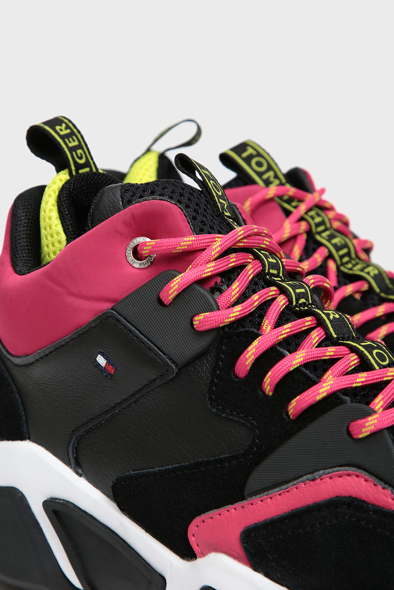 Женские черные кожаные кроссовки MID CUT CHUNKY Tommy Hilfiger