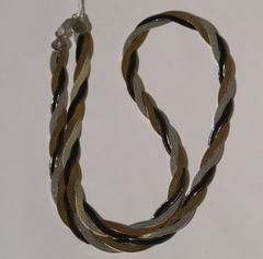 Коса трехцветная с позолотой(серебряная цепочка)