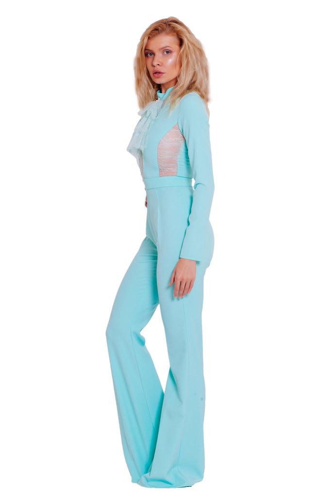 Комбинезон с расклешенными брюками