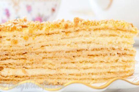 Кусочек вкуснейшего натурального торта «Наполеон» без использования глютена