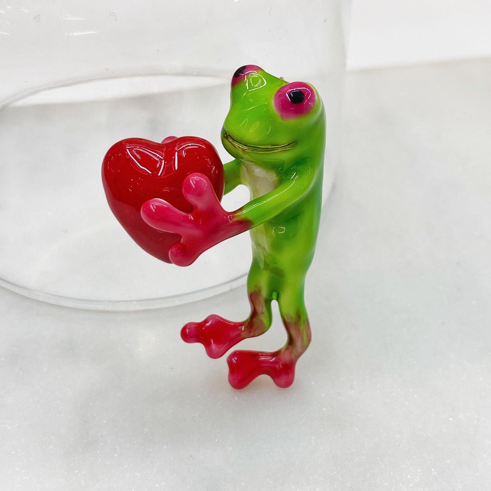 Брошь Лягушка С Сердцем эмаль