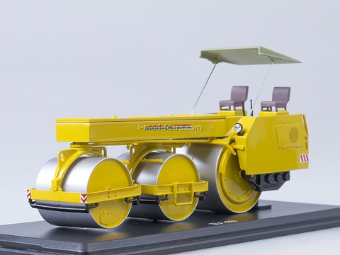 Road Roller DU-49 orange Start Scale Models (SSM) 1:43