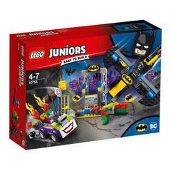 Juniors Нападение Джокера на Бэтпещеру 10753
