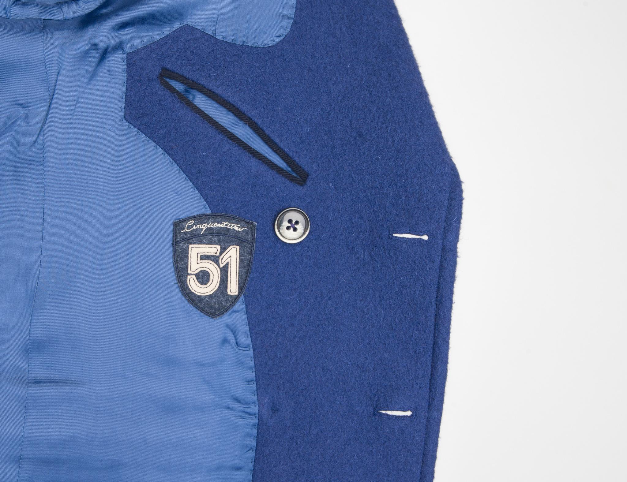 Двубортное синее шерстяное пальто узкого кроя, логотип